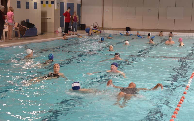 Avec les nageurs du ccas richard dell 39 agnola maire de for Piscine thiais